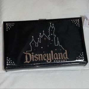 Disneyland clutch